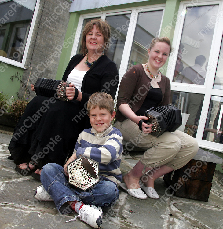 Three generations of the one family attending the Mrs. Crotty Festival in Kilrush during the week.<br /> From left: Jacqueline McCarthy with her daughter Siobhan and nephew Harry Giles.<br /> <br /> Photograph by Yvonne Vaughan.