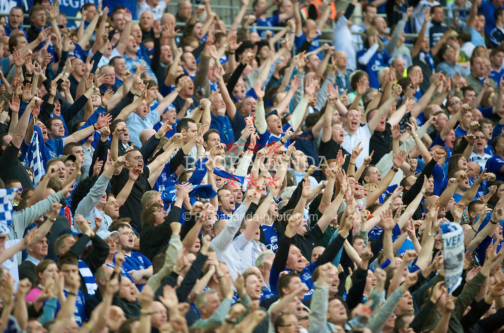 LONDON, ENGLAND - Sunday, April 19, 2009: Everton's supporters cheer their side on against Manchester United during the FA Cup Semi-Final match at Wembley. (Photo by David Rawcliffe/Propaganda)