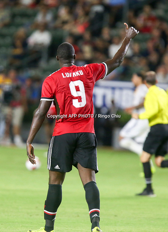 Manchester United Romelu Lukaku, gestures against Los Angeles Galaxy during the second half of a national friendly soccer game at StubHub Center on July 15, 2017 in Carson, California. The Manchester United won 5-2. AFP PHOTO / Ringo Chiu