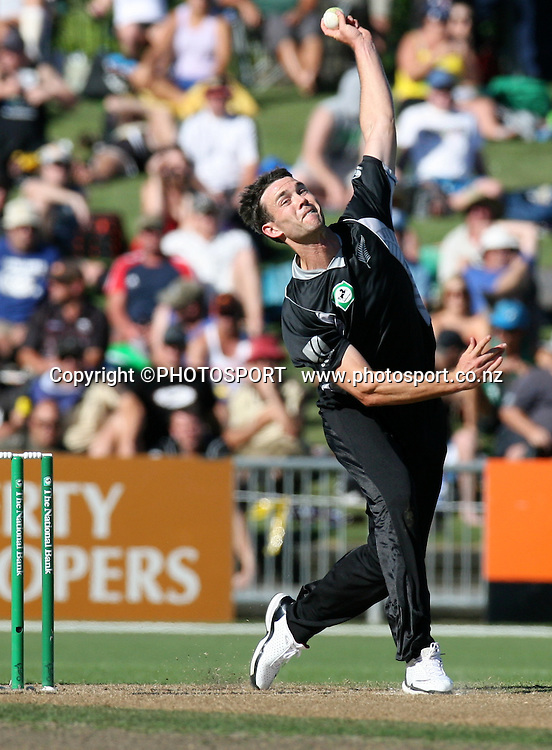 James Franklin bowls.  New Zealand Black Caps v Australia. 1st ODI, Chappell-Hadlee Trophy Series. McLean Park, Napier. Wednesday 03 March 2010  Photo: John Cowpland/PHOTOSPORT