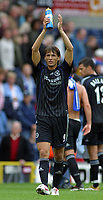 Photo: Paul Thomas.<br /> Blackburn Rovers v Chelsea. The Barclays Premiership. 27/08/2006.<br /> <br /> Khalid Boulahrouz of Chelsea thanks their fans.