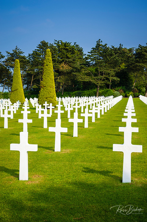 Graves at the American Cemetery, Omaha Beach, Colleville-sur-Mer, Normandy, France