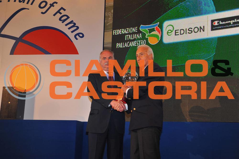 DESCRIZIONE : Monza Vila Reale Italia Basket Hall of Fame<br /> GIOCATORE :  Toni Capellari Adolfo Bogoncelli Alessandro Gamba<br /> SQUADRA : FIP Federazione Italiana Pallacanestro <br /> EVENTO : Italia Basket Hall of Fame<br /> GARA : <br /> DATA : 29/06/2010<br /> CATEGORIA : Premiazione<br /> SPORT : Pallacanestro <br /> AUTORE : Agenzia Ciamillo-Castoria/M.Gregolin