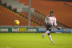 BLACKPOOL, ENGLAND - Wednesday, December 18, 2013: Liverpool's Sheyi Ojo scores his side's fourth penalty of the shoot-out against Blackpool to make the score 3-1 during the FA Youth Cup 3rd Round match at Bloomfield Road. (Pic by David Rawcliffe/Propaganda)