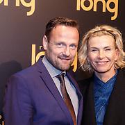 NLD/Gouda/20151207 - Premiere Robert Long, Anita Witzier en partner Michel Nillesen