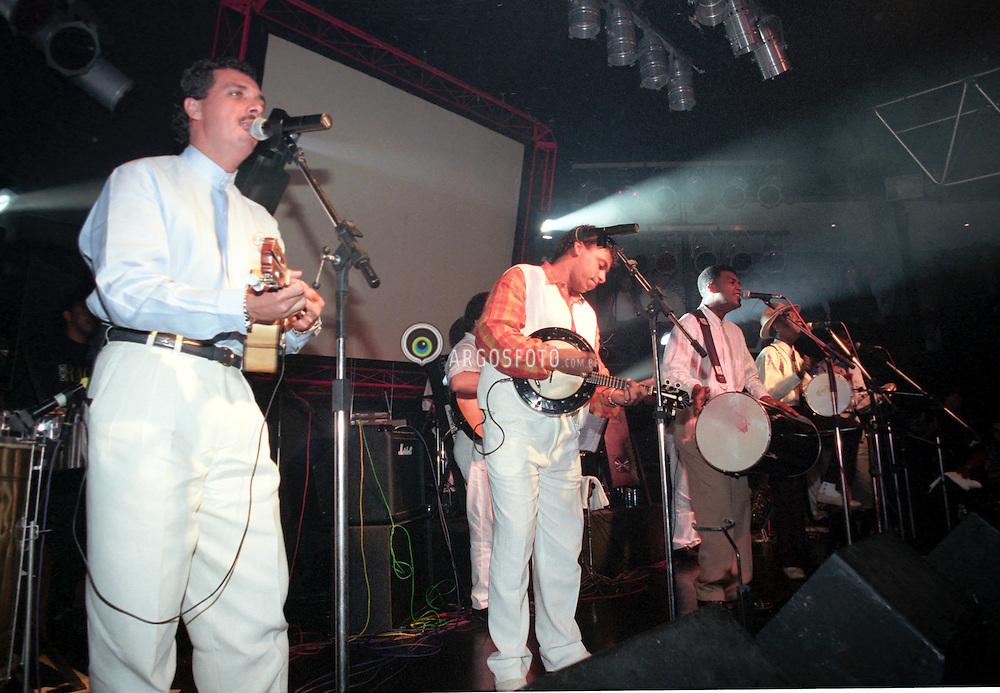 Sao Paulo, SP, Brasil     06/Nov/1996.Show do Grupo Raca, na boite Brodway em SP./ Raca group in concert at Brodway night club..Foto Marcos Issa/Argosfoto