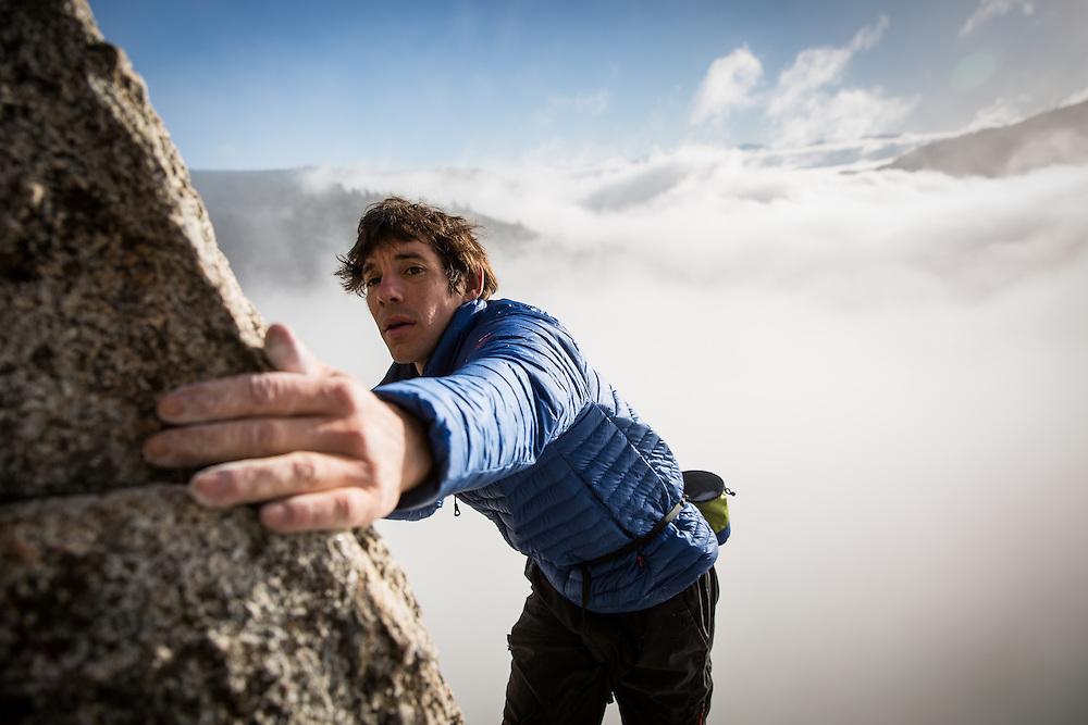 Climber Alex Honnold climbs at Donner Pass, California, October 29, 2015.