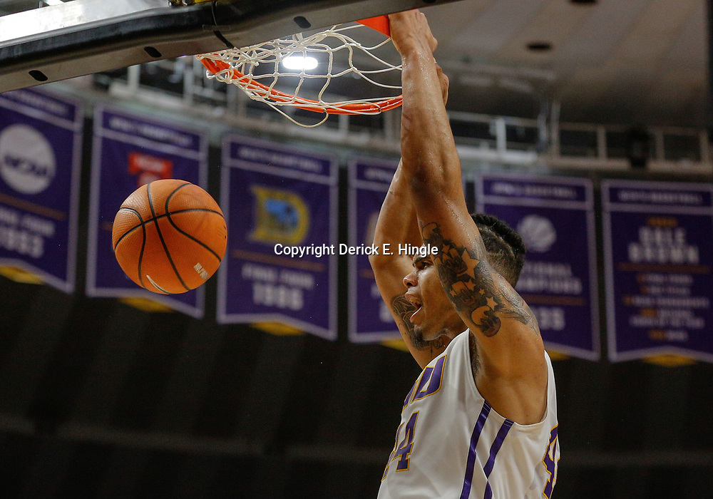 Feb 20, 2018; Baton Rouge, LA, USA; LSU Tigers forward Wayde Sims (44) dunks against the Vanderbilt Commodores during the second half at the Pete Maravich Assembly Center. LSU defeated Vanderbilt 88-78. Mandatory Credit: Derick E. Hingle-USA TODAY Sports