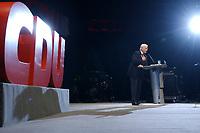 12 JAN 2003, BRAUNSCHWEIG/GERMANY:<br /> Edmund Stoiber, CSU, Ministerpraesident Bayern, waehrend seiner Rede, Wahlkampfauftakt der CDU Niedersachsen zur Landtagswahl, Volkswagenhalle<br /> IMAGE: 20030112-01-023<br /> KEYWORDS: Ministerpräsident, speech, Logo