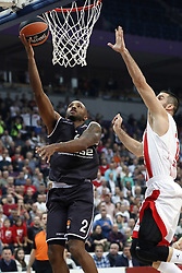BELGRADE (SERBIA), Nov. 2, 2017  Brose Bamberg's Ricky Hickman (L) scores past Crvena Zvezda's Branko Lazic (R) during Euroleague basketball match between Crvena Zvezda and Brose Bamberg in Belgrade, Serbia on Nov. 2. 2017. Brose Bamberg won 75:69  (Credit Image: © Predrag Milosavljevic/Xinhua via ZUMA Wire)
