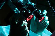 Belo Horizonte_MG, Brasil...Laboratorio de Quimica da UFMG. Na foto detalhe da mao de um pesquisador usando um microscopio...Chemistry Laboratory of UFMG. In this photo detail of researcher hand using a microscope...FOTO: LEO DRUMOND /  NITRO.