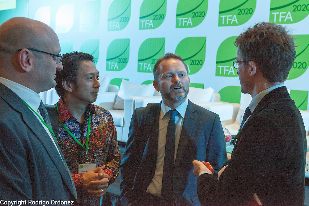Stig Traavik (center), Ambassador of Norway to Indonesia, talks to other participants at the end of a session of the General Assembly of the Tropical Forest Alliance 2020 in Jakarta, Indonesia, on March 11, 2016. <br /> (Photo: Rodrigo Ordonez)