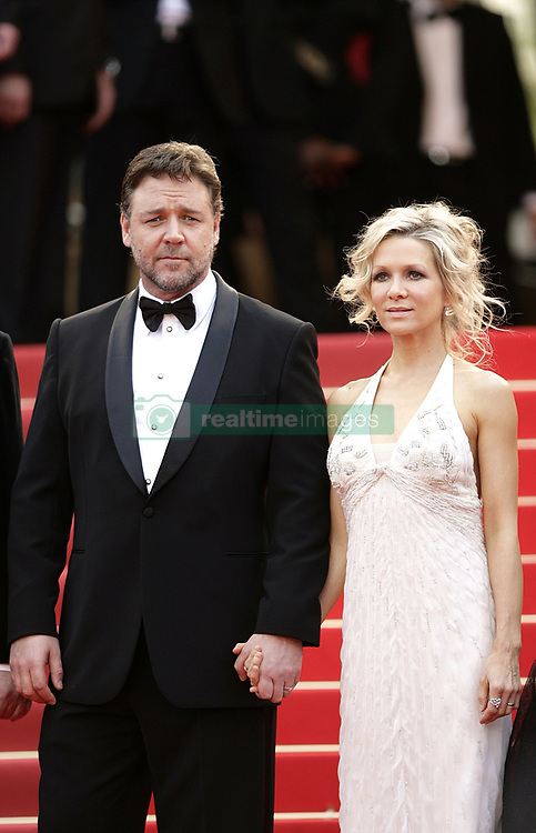 Russell Crowe and Danielle Spencer Split After Nine Years | RealTime