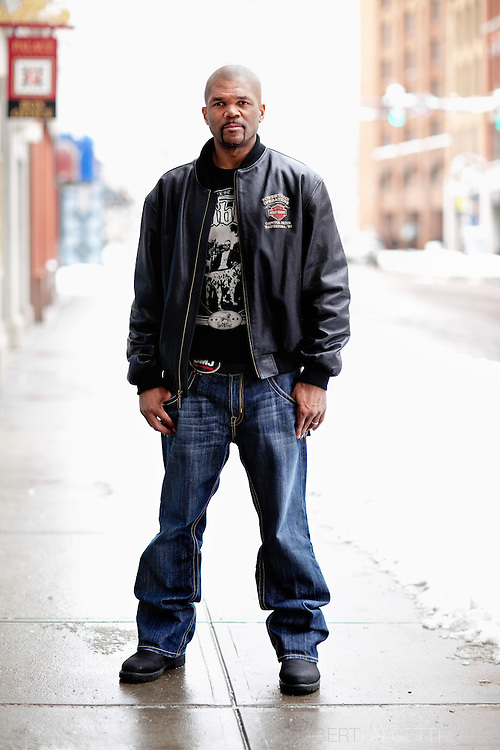 Hip-Hop icon Darryl McDaniels a.k.a. D.M.C. formerly of the legendary rap group Run-DMC photographed on location during the filming of the motion picture Hard Luck.    (Photo by Robert Falcetti). .