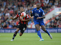 Matt Ritchie of Bournemouth and Wes Morgan of Leicester City chase down a ball. - Mandatory byline: Alex James/JMP - 07966386802 - 29/08/2015 - FOOTBALL - Dean Court -Bournemouth,England - AFC Bournemouth v Leicester City - Barclays Premier League
