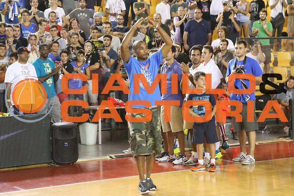 DESCRIZIONE : Roma Lega A 2013-2014 Nike Pallacanestro La Virtus Roma incontra Kevin Durant<br /> GIOCATORE : Phil Goss<br /> CATEGORIA : ritratto fair play curiosita<br /> SQUADRA :<br /> EVENTO : Nike Pallacanestro La Virtus Roma incontra Kevin Durant<br /> GARA : <br /> DATA : 07/09/2013<br /> SPORT : Pallacanestro <br /> AUTORE : Agenzia Ciamillo-Castoria/M.Simoni<br /> Galleria : Lega Basket A 2013-2014  <br /> Fotonotizia : Roma Lega A 2013-2014 Nike Pallacanestro La Virtus Roma incontra Kevin Durant<br /> Predefinita :