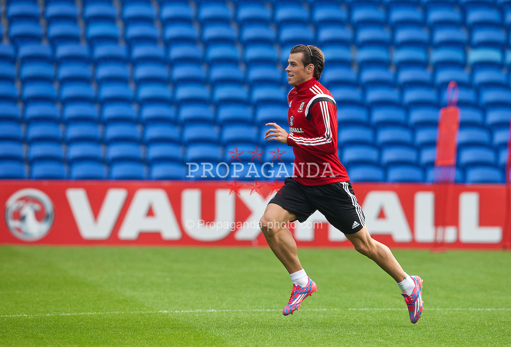 CARDIFF, WALES - Wednesday, September 3, 2014: Wales' Gareth Bale training at the Cardiff City Stadium ahead of the opening UEFA Euro 2016 qualifying match against Andorra. (Pic by David Rawcliffe/Propaganda)