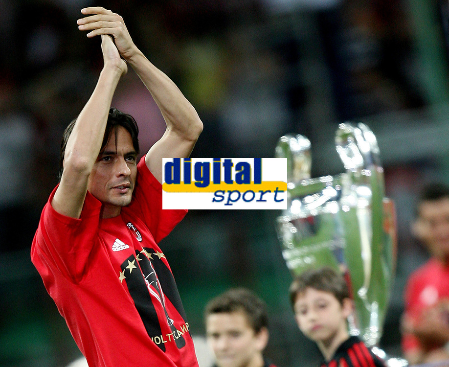 AC Milan midfielder Filippo Inzaghi celebrates his Champions League at the San Siro stadium in Milan, 25 may 2007. AC Milan beat Liverpool 2-1 in the final match of the Champions League last Tuesday. INSIDE PHOTO / Paco SERINELLI