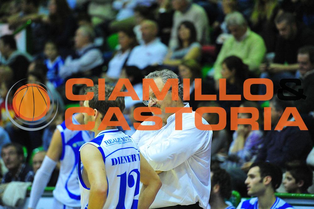 DESCRIZIONE : Sassari Lega A 2012-13 Dinamo Sassari - Enel Brindisi<br /> GIOCATORE :Meo Sacchetti<br /> CATEGORIA :Coach<br /> SQUADRA : Dinamo Sassari<br /> EVENTO : Campionato Lega A 2012-2013 <br /> GARA : Dinamo Sassari<br /> DATA : 04/11/2012<br /> SPORT : Pallacanestro <br /> AUTORE : Agenzia Ciamillo-Castoria/M.Turrini<br /> Galleria : Lega Basket A 2012-2013  <br /> Fotonotizia : Sassari Lega A 2012-13 Dinamo Sassari - Enel Brindisi<br /> Predefinita :