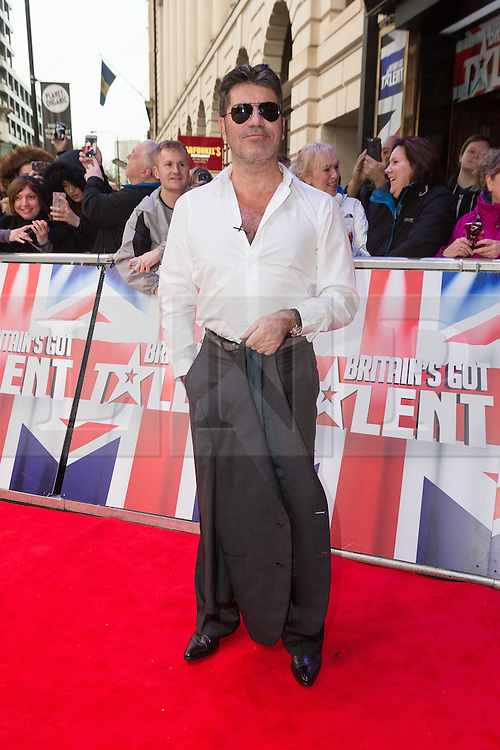 """© Licensed to London News Pictures. 22/01/2016. London, UK. Simon Cowell arrives at The Dominion Theatre in London for the """"Britain's Got Talent"""" auditions. Photo credit : Vickie Flores/LNP"""