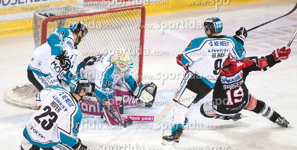 17.11.2015, Tiroler Wasserkraft Arena, Innsbruck, Österreich, EBEL, HC TWK Innsbruck die Haie vs EHC Liwest Black Wings Linz, 21. Runde, im Bild vl.:  Fabio Hofer (EHC Liwest Black Wings Linz), Daniel Mitterdorfer (EHC Liwest Black Wings Linz), Thomas Dechel (EHC Liwest Black Wings Linz), Jason Ulmer (EHC Liwest Black Wings Linz), Tyler Spurgeon (HC TWK Innsbruck Die Haie) // during the Erste Bank Icehockey League 21st round match between HC TWK Innsbruck  die Haie and EHC Liwest Black Wings Linz at the Tiroler Wasserkraft Arena in Innsbruck, Austria on 2015/11/17. EXPA Pictures © 2015, PhotoCredit: EXPA/ Jakob Gruber