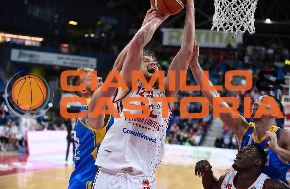 Mika Eric<br /> Victoria Libertas Pesaro - Betaland Capo d'Orlando<br /> Lega Basket Serie A 2017/2018<br /> Reggio Emilia, 11/03/2018<br /> Foto A.Giberti / Ciamillo - Castoria