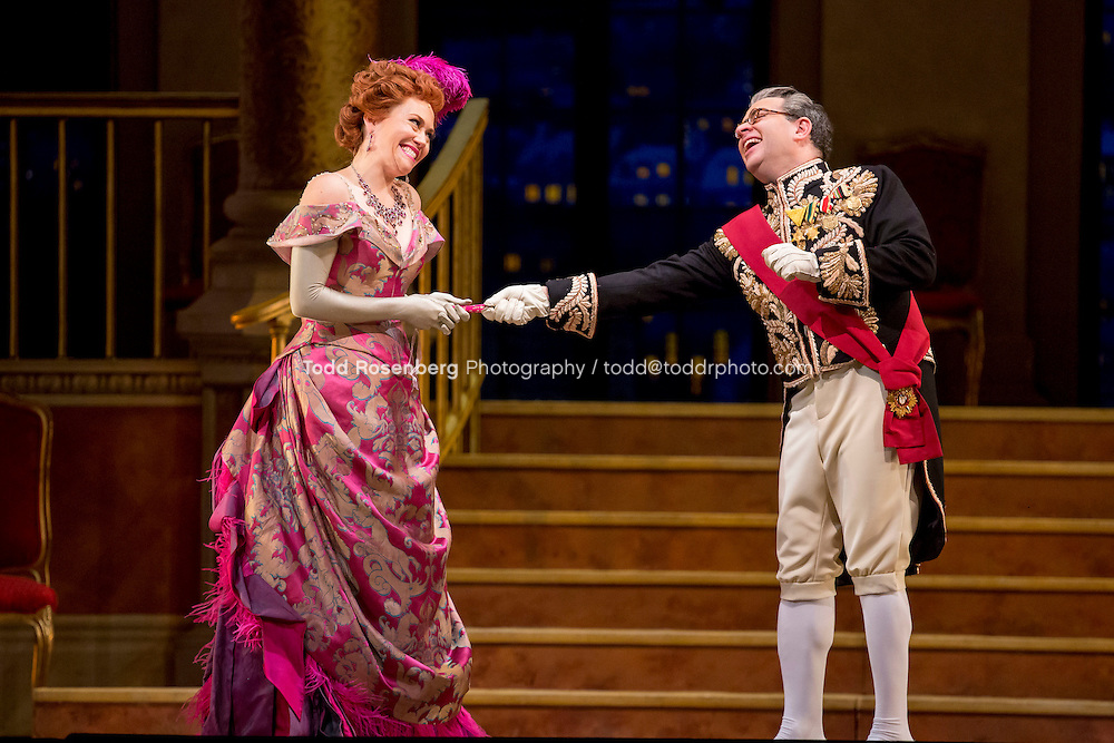 11/11/15 1:38:01 PM -- <br /> The Lyric Opera of Chicago Presents<br /> &quot;The Merry Widow&quot;<br /> Renee Fleming<br /> <br /> &copy; Todd Rosenberg Photography 2015