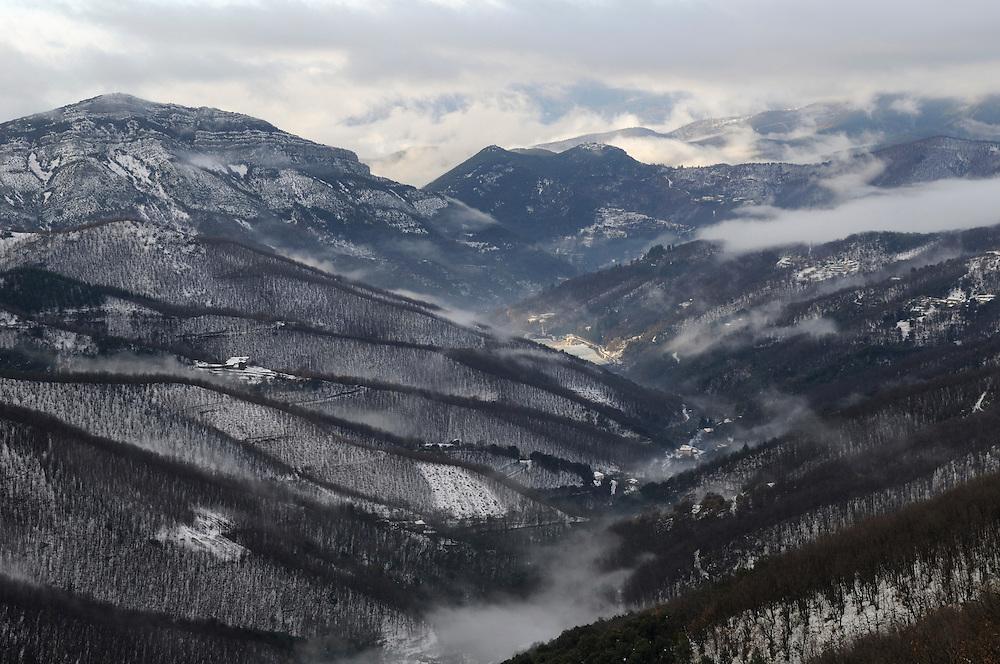 France, Languedoc Roussillon, Gard, Cevennes, la vallée du Recodier en hiver