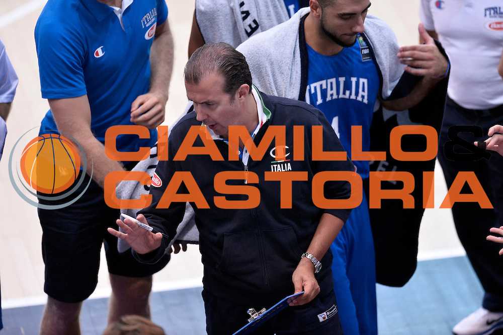 DESCRIZIONE : Trento Nazionale Italia Uomini Trentino Basket Cup Italia Austria Italy Austria<br /> GIOCATORE : Simone Pianigiani<br /> CATEGORIA : timeout<br /> SQUADRA : Italia Italy<br /> EVENTO : Trentino Basket Cup<br /> GARA : Italia Austria Italy Austria<br /> DATA : 31/07/2015<br /> SPORT : Pallacanestro<br /> AUTORE : Agenzia Ciamillo-Castoria/Max.Ceretti<br /> Galleria : FIP Nazionali 2015<br /> Fotonotizia : Trento Nazionale Italia Uomini Trentino Basket Cup Italia Austria Italy Austria