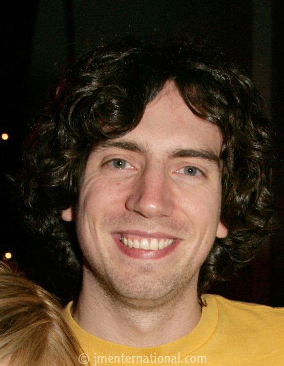 Snow Patrol frontman Gary Lightbody presented the producer of the year award 2005 to Garret Lee