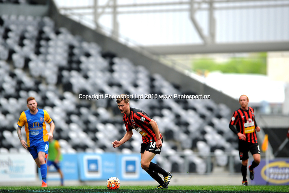 Andre de Jong of Canterbury makes a run with the ball during the Stirling Sports Premiership between Southern United and Canterbury United Dragons, at Forsyth Barr Stadium, Dunedin, New Zealand, on the 30th of October 2016. Credit: Joe Allison / www.Photosport.nz