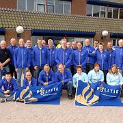 NLD/Huizen/20060603 - Team van hardlopers van de politie Gooi en Vechtstreek vertrekt naar Parijs voor de Roparun 2006, Parijs - Rotterdam