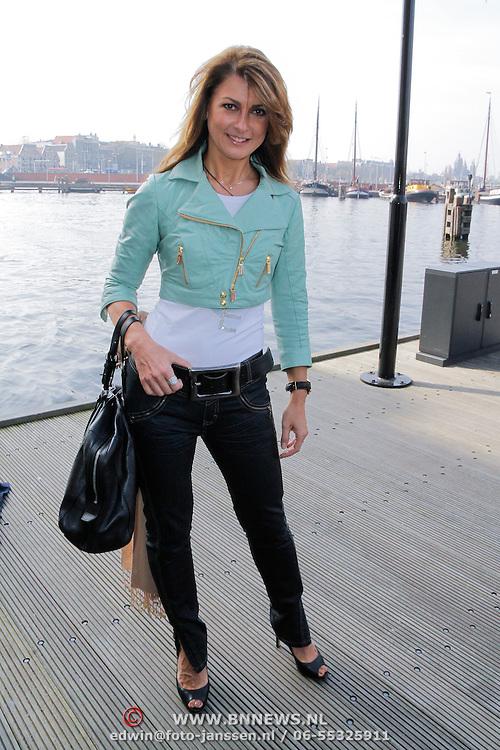 NLD/Amsterdam/20120327 - Perspresentatie de Schat van Oranje, Euvgenia Parakhina