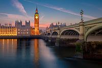 London ist eine der beliebtesten Metropolen der Welt und es gibt Tag und Nacht viel zu entdecken. Englands Hauptstadt ist ein Paradies für Shopping, Sehenswürdigkeiten und Kunst und Kultur.