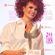 NLD/Amsterdam/20160118 -  Beau Monde Awards 2016, leontine Borsato wint een award