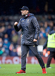 LONDON, ENGLAND - Sunday, March 17, 2019: Liverpool's manager Jürgen Klopp celebrates 2-1 victory over Fulham after the FA Premier League match between Fulham FC and Liverpool FC at Craven Cottage. (Pic by David Rawcliffe/Propaganda)