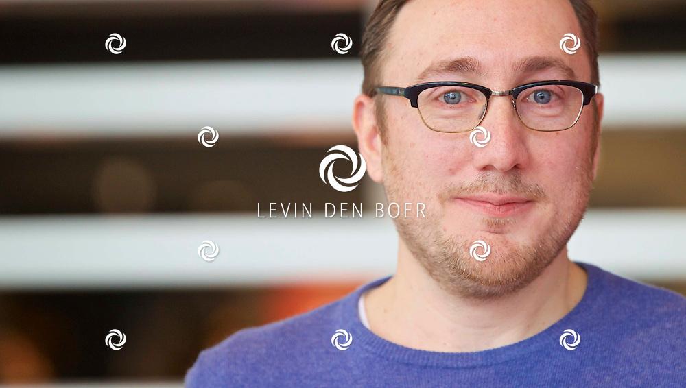 HILVERSUM - In de nieuwste JT bioscoop te Hilversum heeft RTL5 een perspresentatie gegeven over het nieuwe programma 'Foute Vrienden'. Met hier op de foto  Albert Jan van Rees. FOTO LEVIN DEN BOER - KWALITEITFOTO.NL