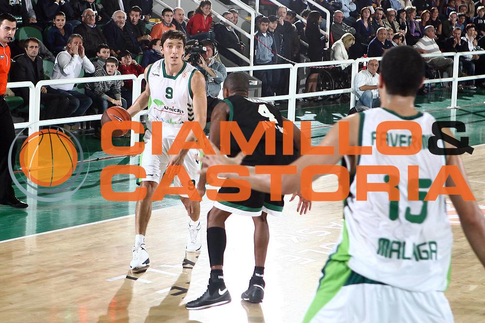 DESCRIZIONE : Avellino Eurolega 2008-09 Air Avellino Unicaja Malaga<br /> GIOCATORE : Jiri Welsch<br /> SQUADRA : Unicaja Malaga<br /> EVENTO : Eurolega 2008-2009<br /> GARA : Air Avellino Unicaja Malaga<br /> DATA : 05/11/2008 <br /> CATEGORIA : palleggio<br /> SPORT : Pallacanestro <br /> AUTORE : Agenzia Ciamillo-Castoria/E.Castoria