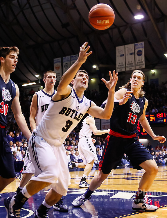 INDIANAPOLIS, IN - JANUARY 19: Alex Barlow #3 of the Butler Bulldogs watches a loose ball as Kelly Olynyk #13 of the Gonzaga Bulldogs looks on at Hinkle Fieldhouse on January 19, 2013 in Indianapolis, Indiana. Butler defeated Gonzaga 64-63. (Photo by Michael Hickey/Getty Images) *** Local Caption *** Alex Barlow; Kelly Olynyk