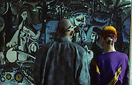 in front of the dejeuner sur l'herbe de Picasso   Paris  France    coiffure sculpture du coiffeur plasticien Jean Philippe Pages , le déjeuner sur l'herbe de Picasso  Paris  France  R00008/    L0006355  /  P101606