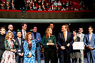 HILVERSUM - King Willem-Alexander with Silver Camera winner Cynthia Boll. She won the prize with her series Sinking Cities Jakarta. copyright robin utrecht