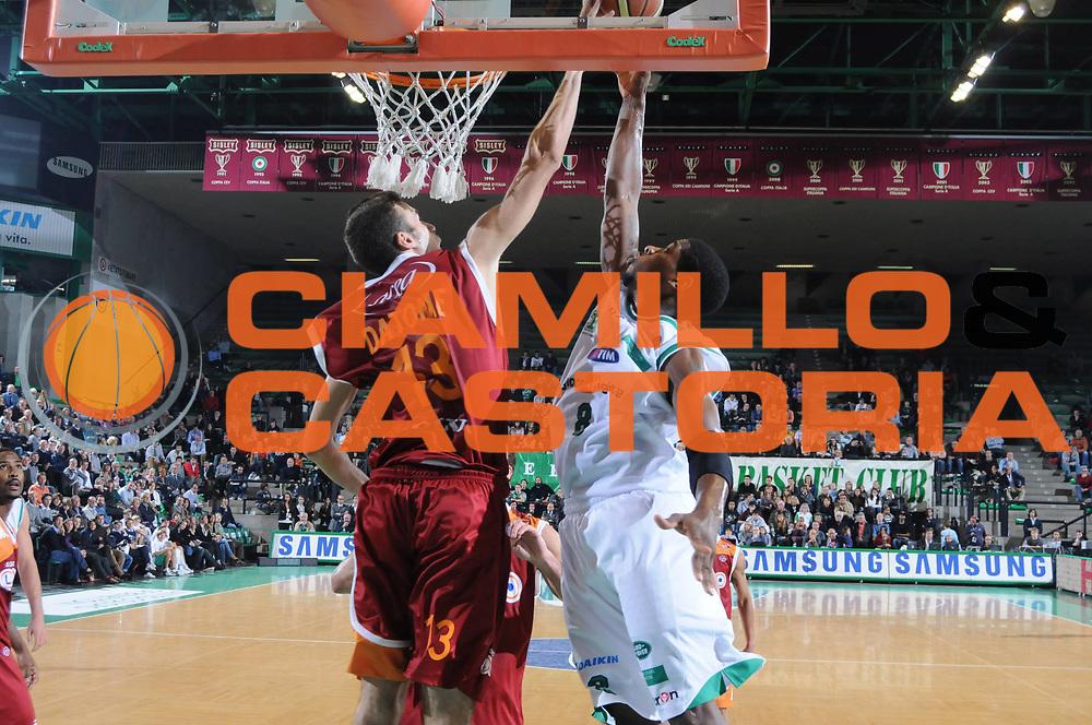 DESCRIZIONE : Treviso Lega A 2009-10 Benetton Treviso Lottomatica Roma<br /> GIOCATORE : Francesco Vitucci<br /> SQUADRA : Benetton Treviso<br /> EVENTO : Campionato Lega A 2009-2010 <br /> GARA : Benetton Treviso Lottomatica Roma<br /> DATA : 17/10/2009 <br /> CATEGORIA : Ritratto <br /> SPORT : Pallacanestro <br /> AUTORE : Agenzia Ciamillo-Castoria/M.Gregolin