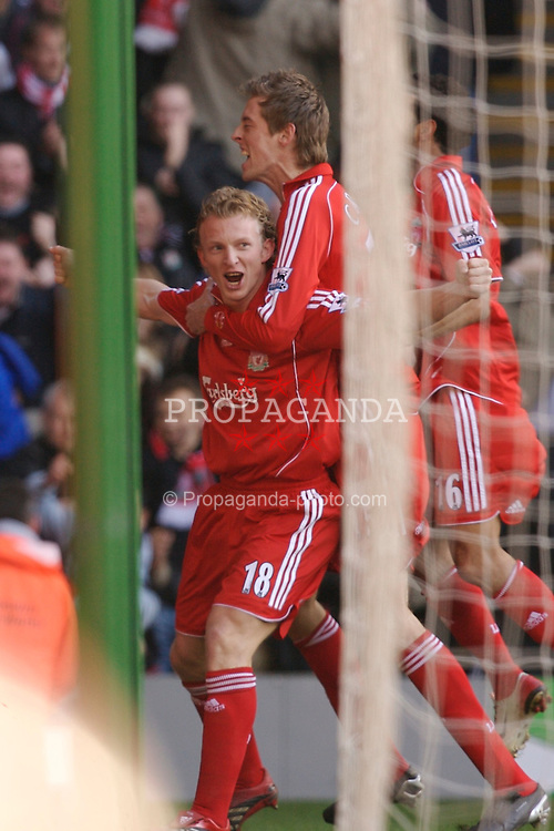 Liverpool, England - Saturday, January 20, 2007: Liverpool's Dirk Kuyt celebrates scoring the opening goal against Chelsea, with his team-mate Peter Crouch, during the Premier League match at Anfield. (Pic by David Rawcliffe/Propaganda)