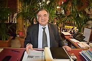 Il sindaco di Palermo Leoluca Orlando, sul tavolo la &quot;carta di Palermo&quot; che parla dello ius soli.<br /> The mayor of Palermo Leoluca Orlando, on the desk &quot;the document&quot; of his programme which includes ius soli for migrants.