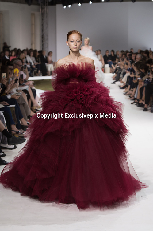 Giambattista Valli<br /> Autumn Winter 2016 2017<br /> <br /> Haute Couture Fashion Show Paris<br /> &copy;Exclusivepix Media