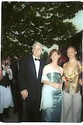 Steve Martin, ? and Stella McCartney, 30th Aniversary Gala Dinner, Serpentine Gallery.20 June 2000<br />© Copyright Photograph by Dafydd Jones 66 Stockwell Park Rd. London SW9 0DA Tel 020 7733 0108 www.dafjones.com
