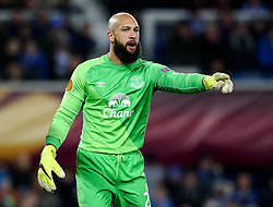 Everton's Tim Howard in action  - Photo mandatory by-line: Matt McNulty/JMP - Mobile: 07966 386802 - 26/02/2015 - SPORT - Football - Liverpool - Goodison Park - Everton v Young Boys - UEFA EUROPA LEAGUE ROUND OF 32 SECOND LEG