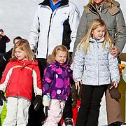 AUD/Lech/20110219 - Fotosessie Nederlandse Koninklijke Familie 2011 op wintersport in Lech, Willem Alexander en partner Maxima, kinderen Prinses Catharina-Amalia,  Alexia, Ariane