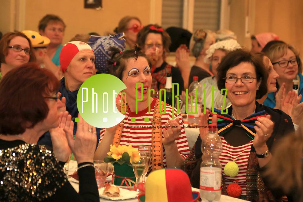 Mannheim. 14.02.14  Feudenheim. Prinz Max. Narrebloos Frauenfasnacht im Gemeindesaal.<br /> <br /> Bild: Markus Pro&szlig;witz 14FEB14 / masterpress / images4.de