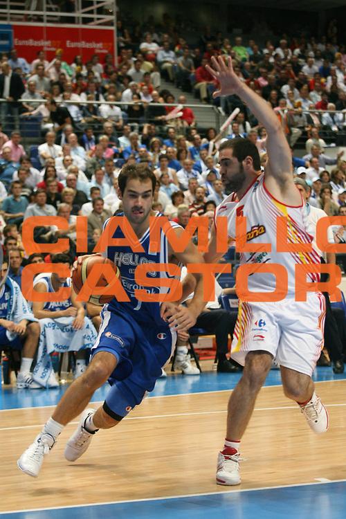 DESCRIZIONE : Madrid Spagna Spain Eurobasket Men 2007 Semi Finals Semifinali Spagna Grecia Spain Greece <br /> GIOCATORE : Vasileios Spanoulis<br /> SQUADRA : Grecia Greece<br /> EVENTO : Eurobasket Men 2007 Campionati Europei Uomini 2007 <br /> GARA : Spagna Grecia Spain Greece<br /> DATA : 15/09/2007 <br /> CATEGORIA : Palleggio<br /> SPORT : Pallacanestro <br /> AUTORE : Ciamillo&amp;Castoria/A.Vlachos <br /> Galleria : Eurobasket Men 2007 <br /> Fotonotizia : Madrid Spagna Spain Eurobasket Men 2007 Semi Finals Semifinali Spagna Grecia Spain Greece  <br /> Predefinita :